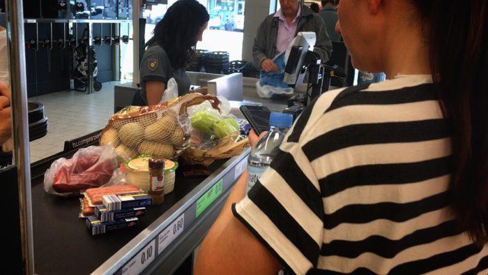 スペイン スーパー 違い 差 日本 お店 面白い カゴ 値段 おすすめ 牛乳